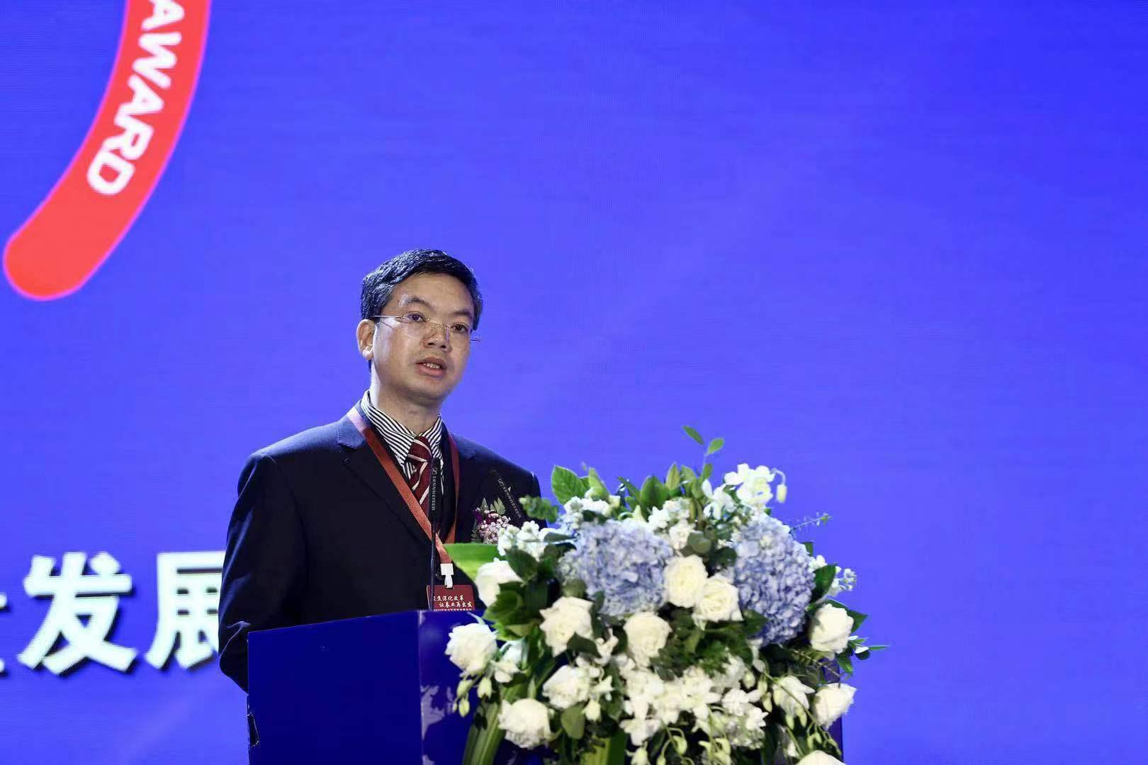 中國證券業協會黨委書記、執行副會長安青松.jpg