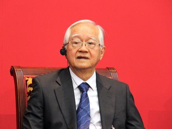 图为国务院发展研究中心研究员吴敬琏。(图片来源:新浪财经)