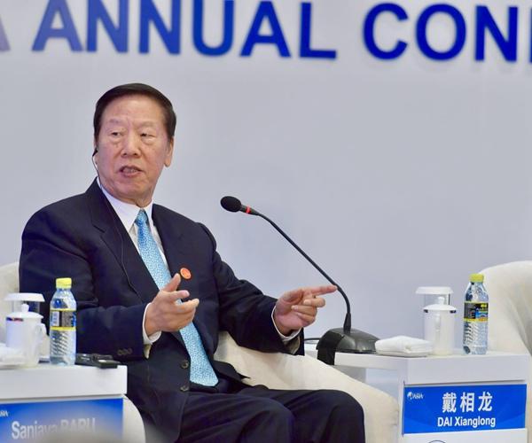 中国人民银行前行长戴相龙 车亮 摄